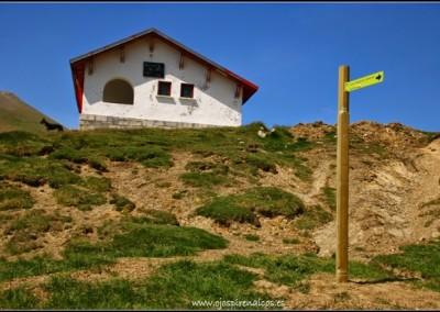 La ruta, señalizada desde el Refugio Lopez Huici